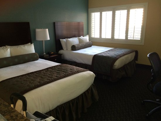 BEST WESTERN PLUS Casino Royale : Two Queen Standard Room