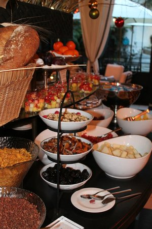 El Palace Hotel: Breakfast at El palace