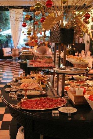 El Palace Hotel : Breakfast at El Palace
