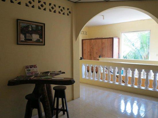 Rainforest Haven Inn : Hallway