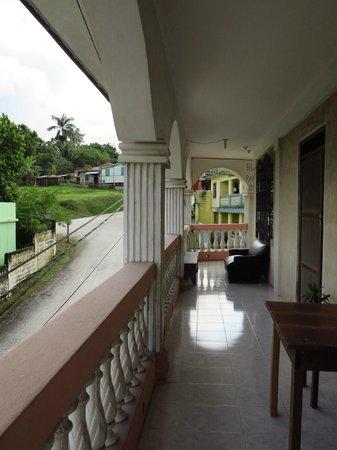 Rainforest Haven Inn : Outside hallway