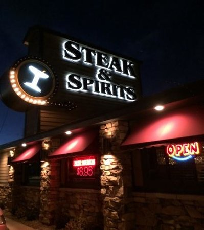 Quincys Steak & Spirits : Salida