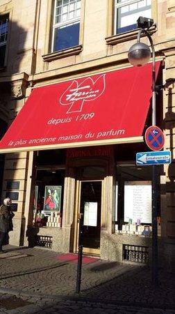 Fragrance Museum Farina-House: outsider