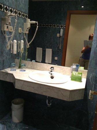 Tryp Macarena: Chambre de bain