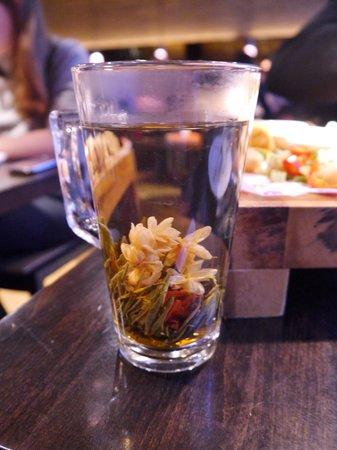 Dim T - West End: camomile tea