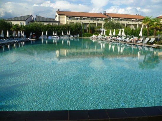 Hotel Caesius Thermae & Spa Resort : la piscina esterna
