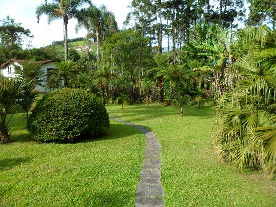 Pousada Jardins do Passaredo: Jardim