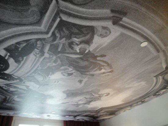 InterContinental Paris-Avenue Marceau: ceiling
