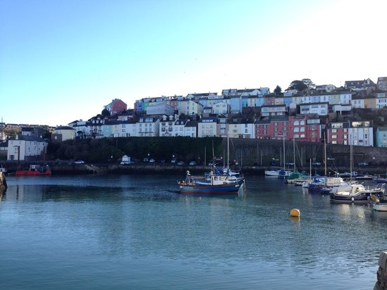 Sampford Guest House: Brixham Harbour