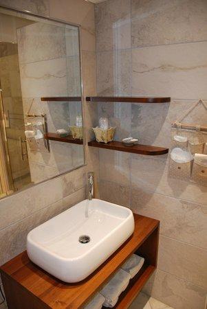 La Rocca Residence : La Rocca: detail bathroom