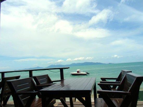 Moonhut Bungalows: beach front