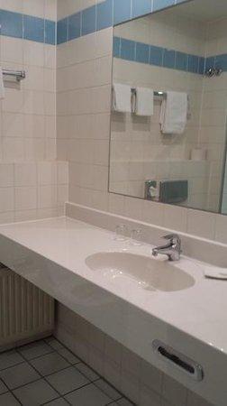Mercure Hotel Düsseldorf City Center: bathroom