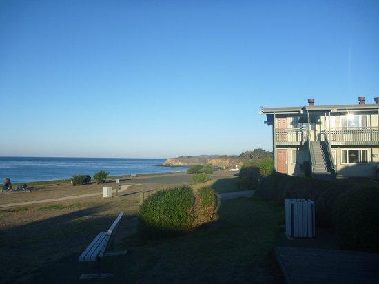 Cavalier Oceanfront Resort : San Simeon front view