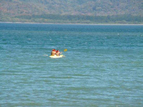 Occidental Papagayo - Adults only: Kayak en la playa del hotel