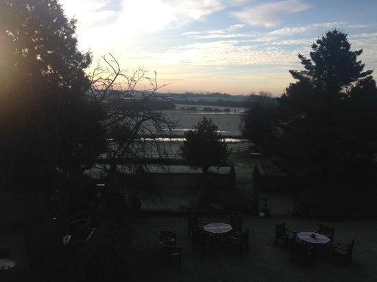 BEST WESTERN Sysonby Knoll Hotel: Frosty morning view from room