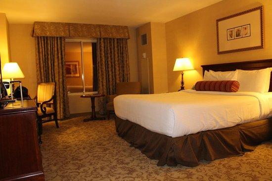Monte Carlo Resort & Casino : Notre 2e et jolie chambre