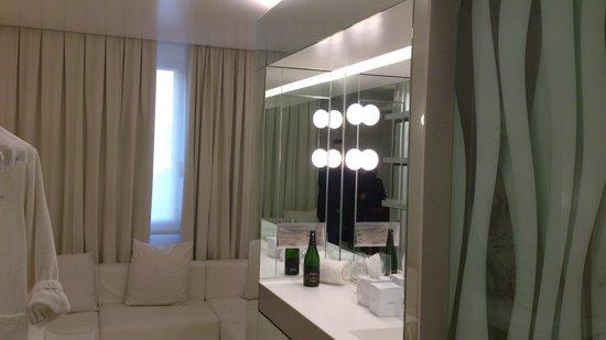The Mirror Barcelona: Habitacion