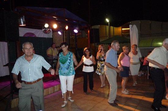 Servigroup Diplomatic: Le bal et spectacle le soir a partir de 21h.00