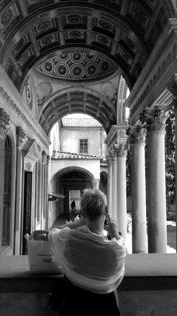 Basilica di Santa Croce: Outside courtyard