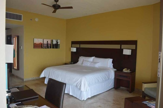 Westin Resort & Spa Los Cabos : View of our bed / room