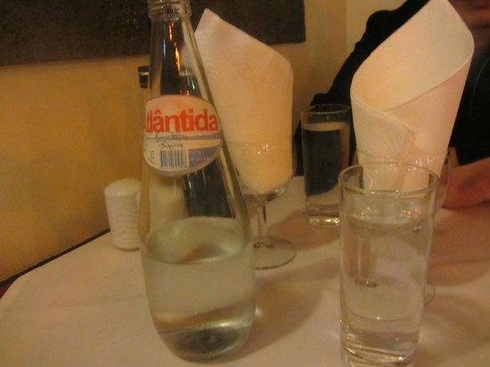 Marisqueira Tropicana: portuguisisches Mineralwasser