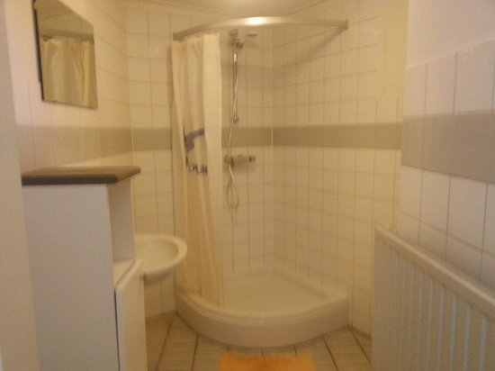 Hof Domburg: De badkamer