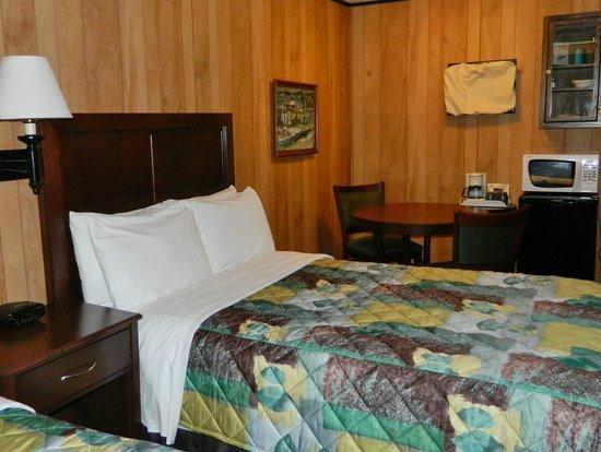 Sleepy Time Motel: Kitchen Area