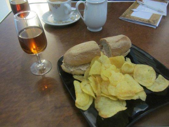 Madeira Story Centre: Thunpastasandwich