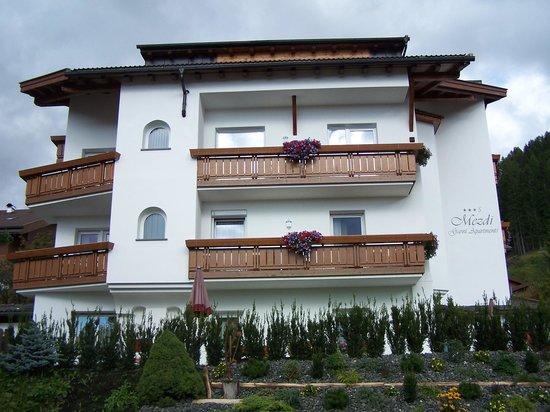 Garni Hotel Mezdi: Garni Hotel Mezdì - visione laterale