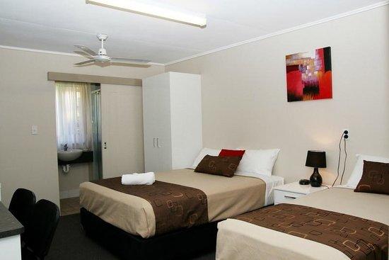 Kalua Motel: Room