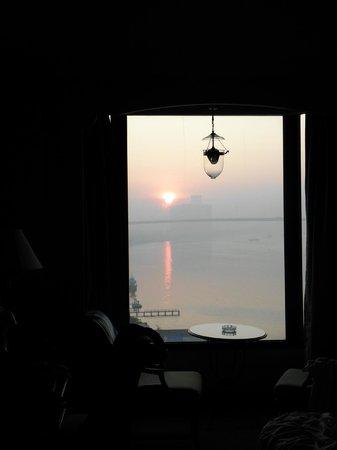 Montien Riverside Hotel: room