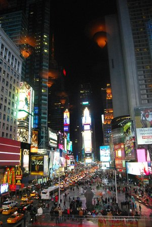R Lounge at Two Times Square : Times Square Views from R Lounge