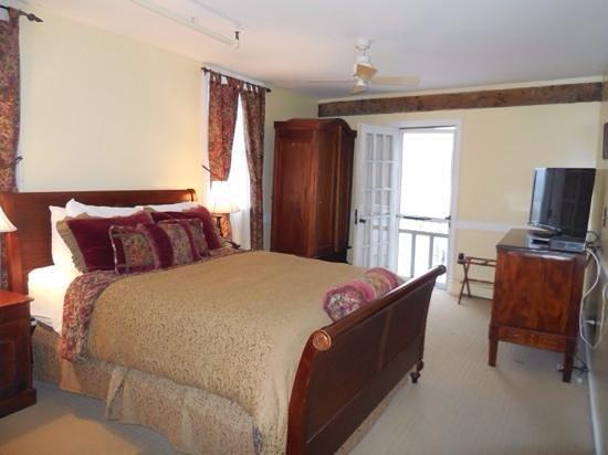 Hudson House Inn : room 4 2nd floor.