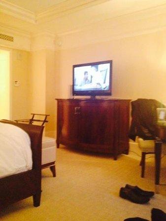 The St. Regis Atlanta: Nice furnishings
