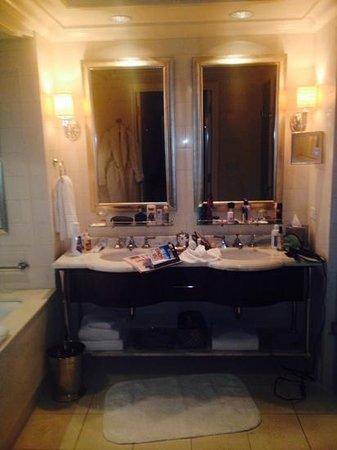The St. Regis Atlanta: Tv in mirror