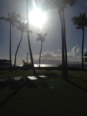 Marriott's Maui Ocean Club - Molokai, Maui & Lanai Towers : view from grounds
