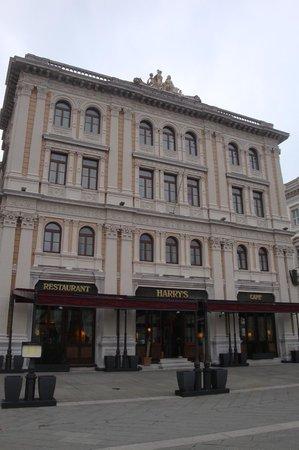 Grand Hotel Duchi D'Aosta: Außenansicht