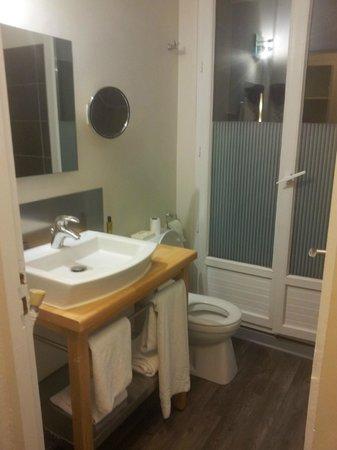 Best Western ARThotel : salle de bain