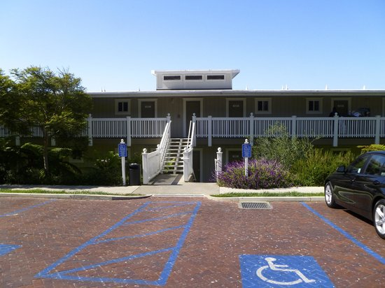 Inn at Morro Bay: Hotel grounds