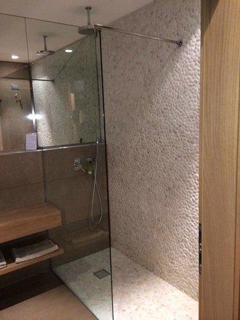 Napura Art & Design Hotel: ванна