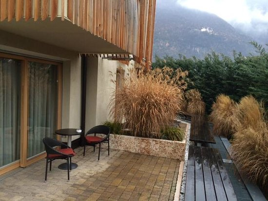 Napura Art & Design Hotel: патио