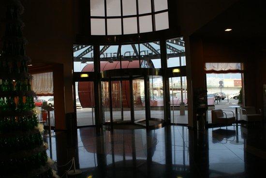 Silken Ciudad Gijon: Entrance
