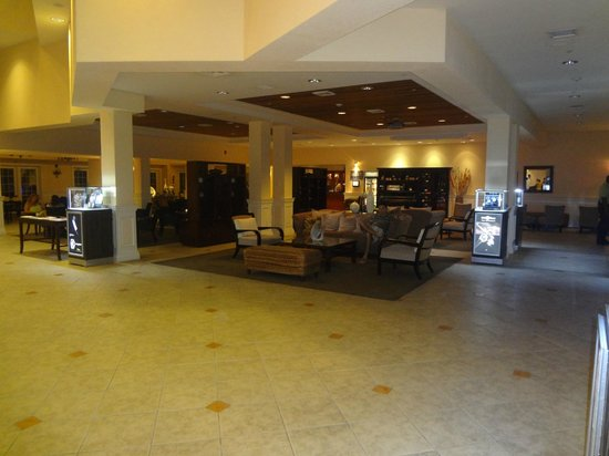 Grand Cayman Marriott Beach Resort : Hotel Lobby