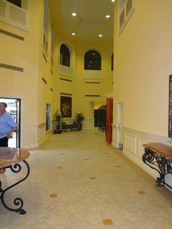 Grand Cayman Marriott Beach Resort: Hotel Lobby