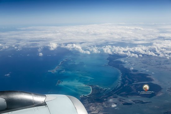 Sandals Royal Bahamian Spa Resort & Offshore Island: Descending out of 10,000 feet