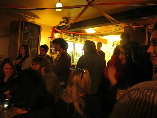 East Street Vegetarian Cafe and Bar : Crowd at East St underground