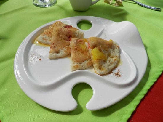 Casa Batsu: breakfast!