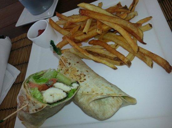 The Cove Eleuthera: wrap con patatine