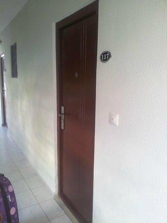 Santa Marina Hotel : door