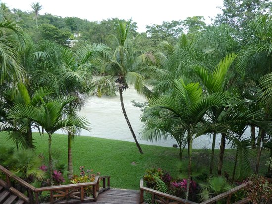 Mahogany Hall Boutique Resort : view of the river from the shared balcony